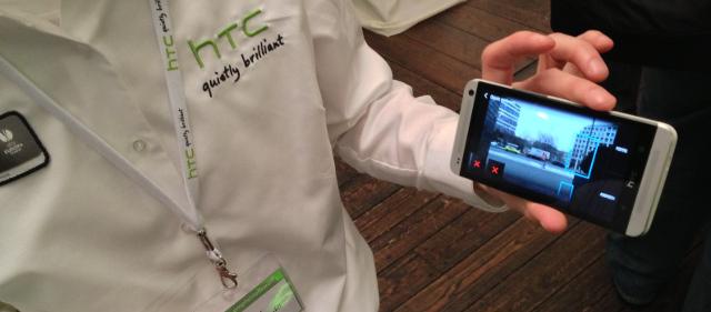 Mit HTC Zoe störende Objekte aus Fotos herausschneiden